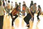 dans in groep.jpg